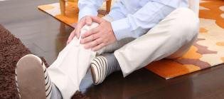 しゃがむと膝がポキポキ鳴る。最近、膝に違和感もあり、この先が心配である